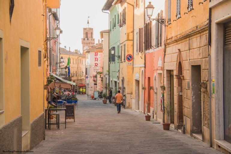Asciano, Tuscany, Italy - Street view, Travel blog 1